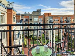 1 Bedroom Emerald City Oasis walk to Pike Place Market! Available August 20-22 and 25-29! - Seattle vacation rentals