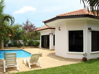 Villas for rent in Hua Hin: V6082 - Hua Hin vacation rentals
