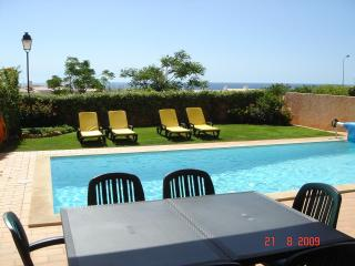 Villa with Private Pool, Breathtaking Ocean View, close to Beach, FREE WiFi - Luz vacation rentals