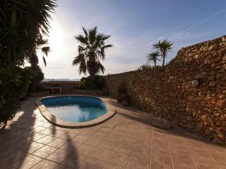 Farmhouse with pool in Xaghra - Xaghra vacation rentals