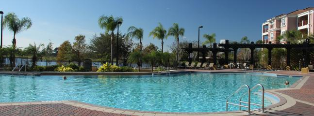 Main resort pool - Spacious, Luxury Condo on Vista Cay. Sleeps 6. Newly refurbished. All new furniture. - Orlando - rentals