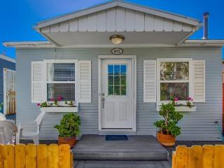 825 Queenstown - Mission Beach 2BR Bayside Beach Cottage - San Diego vacation rentals