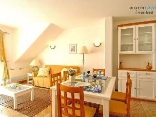 Giddah White Apartment - Portugal vacation rentals