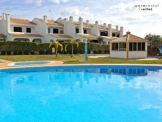 Shimmy Brown Apartment - Quarteira vacation rentals