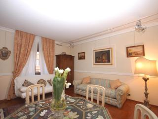Borgo Pio Fully equipped apartment - Rome vacation rentals