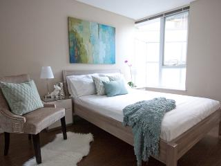 2BR Downtown Gastown Apt with Terrance, Pool, Gym - Vancouver vacation rentals