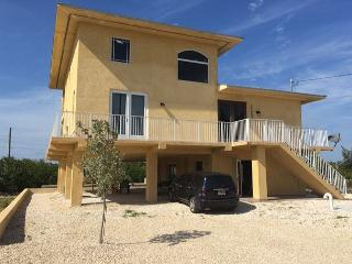 BRAND NEW 3 bedroom, 2 bath with dockage and great introductory pricing!!!!!! - Marathon vacation rentals