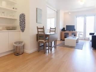 Entire fully furnished Mount Lawley apartment - Perth vacation rentals