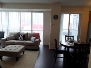 Luxury fully furnished 1 BDRM suite - Toronto vacation rentals