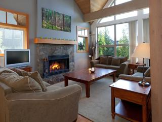 Snowgoose 18 | Whistler Platinum | Private Hot Tub - Whistler vacation rentals