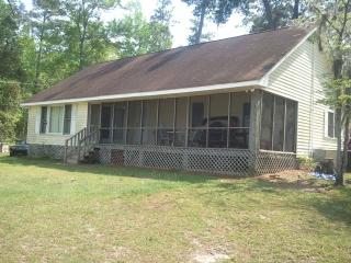 Thompson home on Lake Marion - Summerton vacation rentals