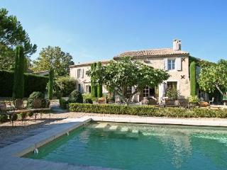 Peaceful and Luxurious, Le Clos du Cyprès with heated pool and lovely garden - Paradou vacation rentals