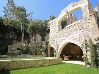 Beautifully Restored Old Convent - Family-Friendly Couvent de Tarascon with Pool & Patio - Tarascon vacation rentals