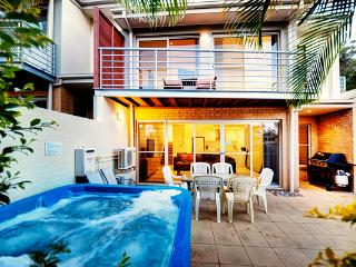 K-Bay 7 - Coffs Harbour vacation rentals