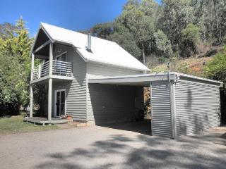 Captain Moonlight Cottage - Mount Beauty vacation rentals