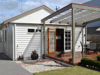 Lawson's Cottage - Geelong vacation rentals
