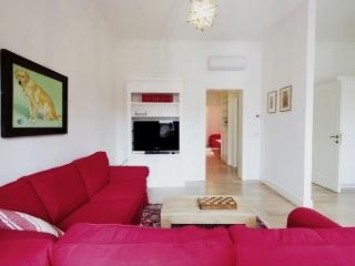 Modern & bright apt with nice view in Santa Croce - Venice vacation rentals