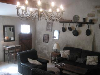 LE CELLIER  - 3 Storey Stone House in Medieval Village - Caunes-Minervois vacation rentals