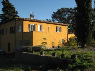 Vecchio Casale big house, sleeps 8, garden and terrace - Pitigliano vacation rentals