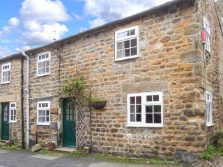 STABLE COTTAGE, end-terrace cottage, ideal for a couple or family, lots to see and do in the area, in Masham, Ref 903974 - Masham vacation rentals