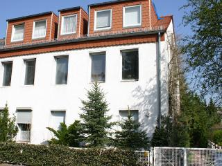 Vacation Apartment in Berlin-Spandau - 764 sqft, cute, central, quiet (# 5089) - Brandenburg vacation rentals