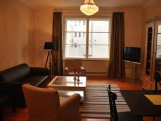Vacation Apartment in Berlin-Mitte - 1292 sqft, absoulte central, nice, quiet (# 5090) - Berlin vacation rentals