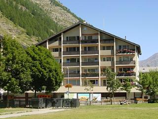 ZERMATT Apartment opposite train station, sleeps 6 - Valais vacation rentals