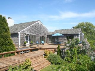 REYNW - Waterfront, Waterview, A/C, Great Pond,  Private Association Beach accessible by boat - Martha's Vineyard vacation rentals