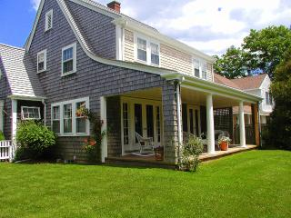 BARTE - In-Town, 5 Minute Walk to Main St, Bike Paths to South Beach in Front of House, A/C, WiFi - Edgartown vacation rentals