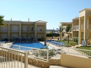 TWO BEDROOM APARTMENT NEAR GALÉ BEACH AND SALGADOS BEACH REF. JVPR109133 - Albufeira vacation rentals