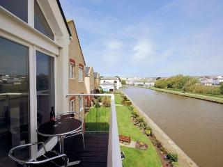 KINFI - Bude vacation rentals