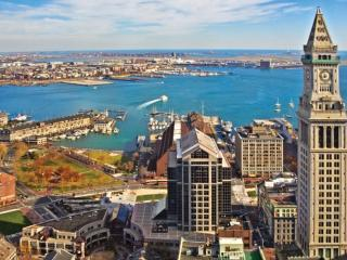 Heart of Boston - Marriott's Custom House Suite - Boston vacation rentals