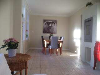 OLD BERGEN HOUSE NEWLY RENOWATED, 3 BEDROOMS - Hordaland vacation rentals