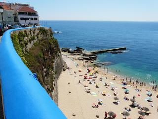 ERICEIRA DOWNTOWN T2, 150M FROM BEACH - Ericeira vacation rentals