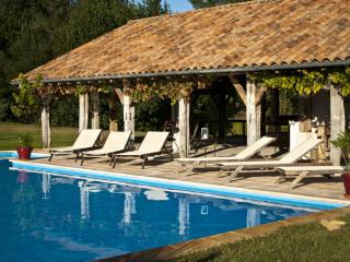 Peaceful house with pool - Landes vacation rentals