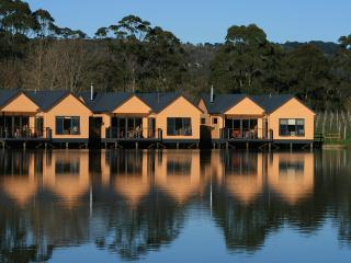 Vineyard Villa over lake with restaurant! - Dromana vacation rentals