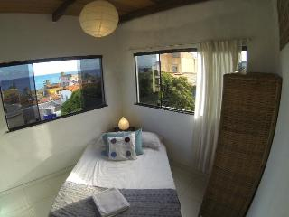 Cozy garden home, 100m from beach in scenic Itapua, Salvador - Lauro de Freitas vacation rentals
