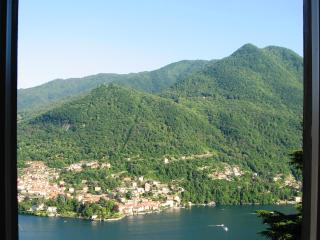 Lake view sunny house with garden - Moltrasio vacation rentals