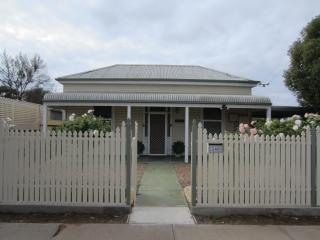 Maeville Cottage - Broken Hill vacation rentals