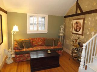 Cottage apartment center of Rhinebeck Village - Rhinebeck vacation rentals