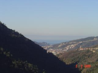 Apartment with garden and breathtaking view - Castiglione Chiavarese vacation rentals