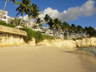 Luxury Beachfront - Oceanfront 2 Bedrooms - Cupecoy vacation rentals