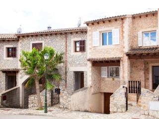 Beautiful Town Home In Puigpunyent With 5 Star Facilities - Puigpunyent vacation rentals