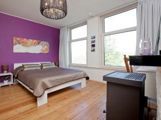 Romantic Nest with canal view opposite Westerpark - Amsterdam vacation rentals