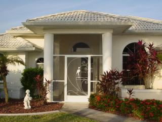 Villa Flamingo - 7 Minutes to Open Waters - Florida South Central Gulf Coast vacation rentals