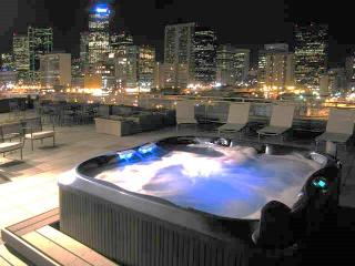 Book Online! Rooftop deck overlooking Coors Field with hot tub! Stay Alfred PL2 - Front Range Colorado vacation rentals