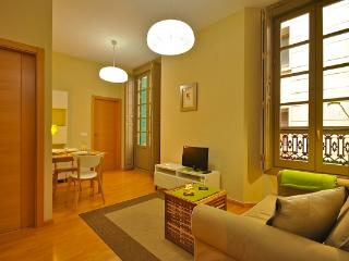 CR102fMAL - PLAZA SAN FRANCISCO - Malaga vacation rentals