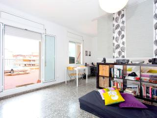 MODERN STUDIO- ROOF TERRACE, GRACIA DISCTRICT - Nice vacation rentals