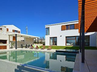 Villa Rosa, the masterpiece of modern architecture. - Sveti Petar u Sumi vacation rentals