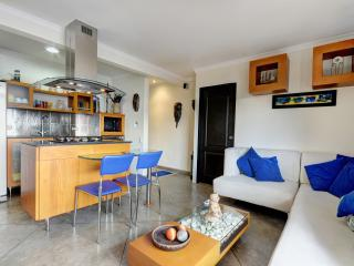 Unique 2 Bedroom Apartment in El Poblado - Buenos Aires vacation rentals
